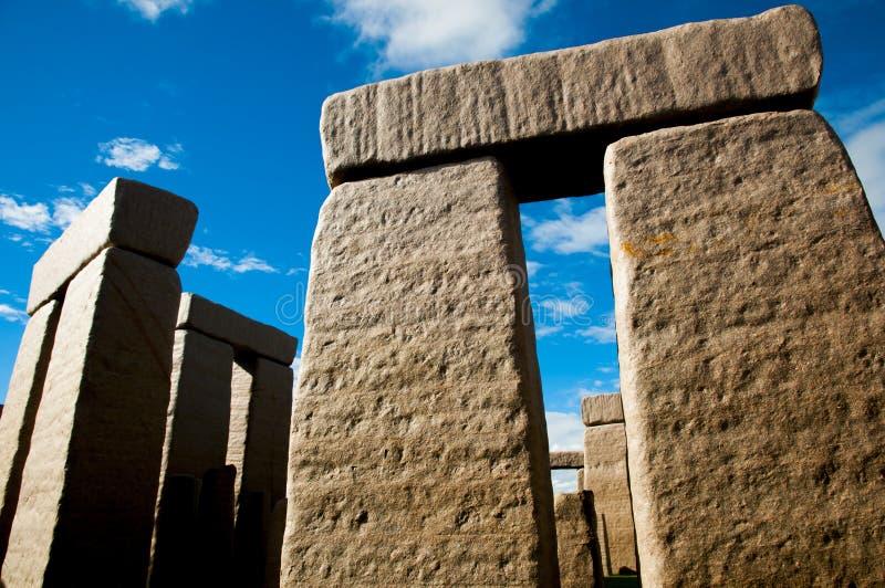 Réplica completa de Stonehenge fotos de stock