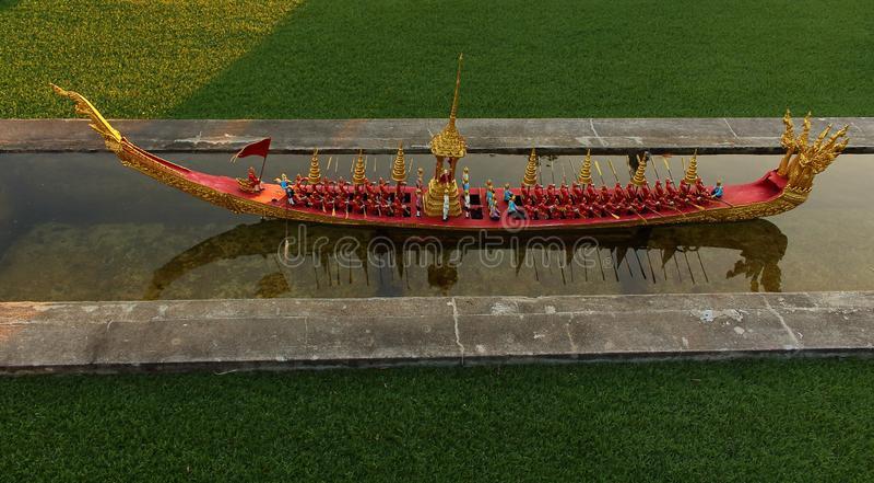 Réplica da barca real Anantanakkharat fotografia de stock royalty free