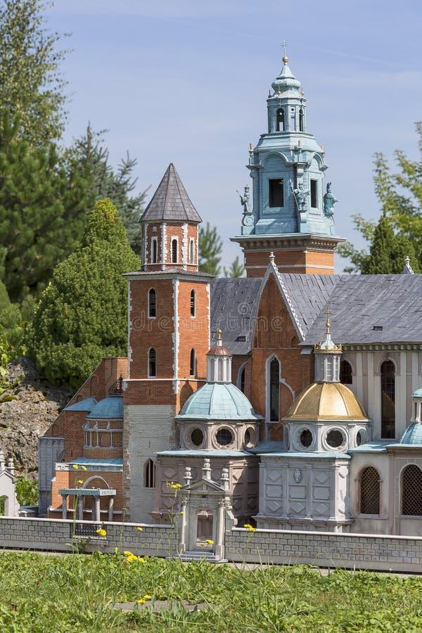 Réplica da catedral Krakow de Wawel, Polônia, parque diminuto, Inwald, Polônia fotos de stock