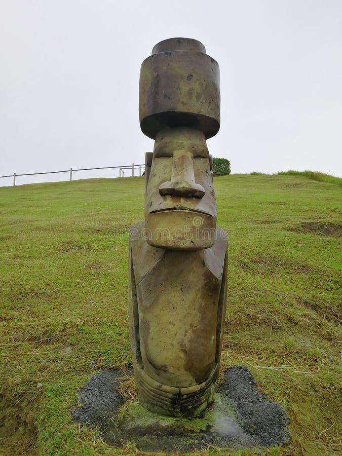 Réplica da estátua de Moai foto de stock royalty free