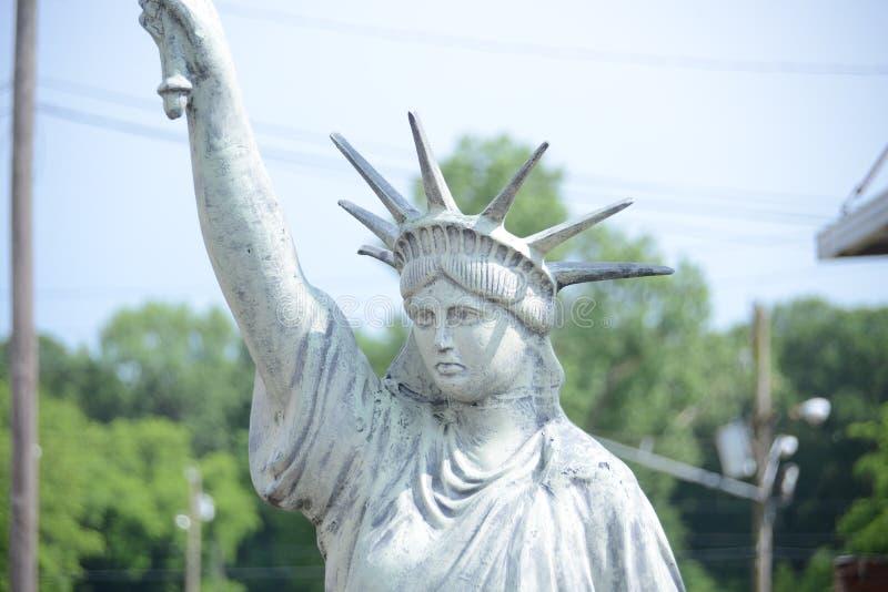 Réplica da estátua da liberdade imagens de stock