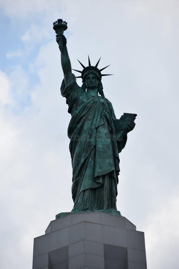 Réplica da estátua da liberdade em Liberty Park em montes de Vestavia em Alabama imagens de stock