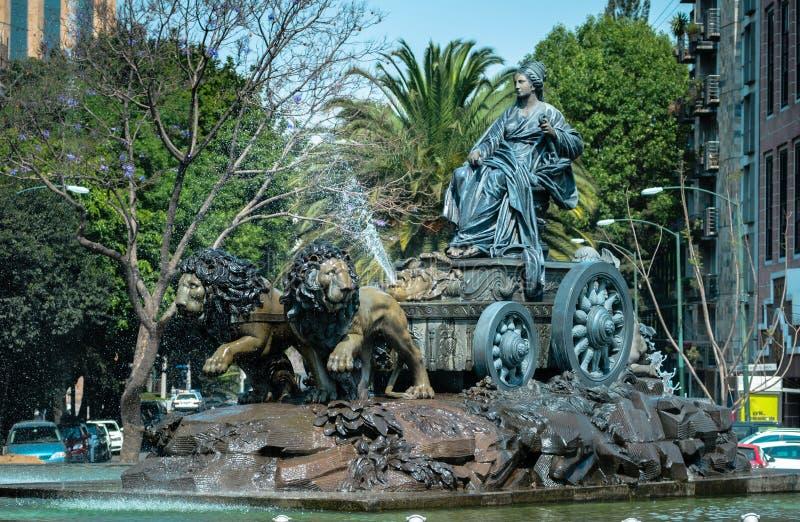 Réplica da fonte de Cibeles em Cidade do México fotografia de stock royalty free