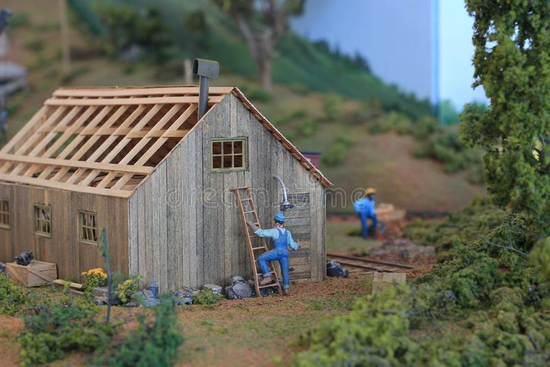 Réplica de construção pequena na exposição na grande mostra do trem fotografia de stock royalty free