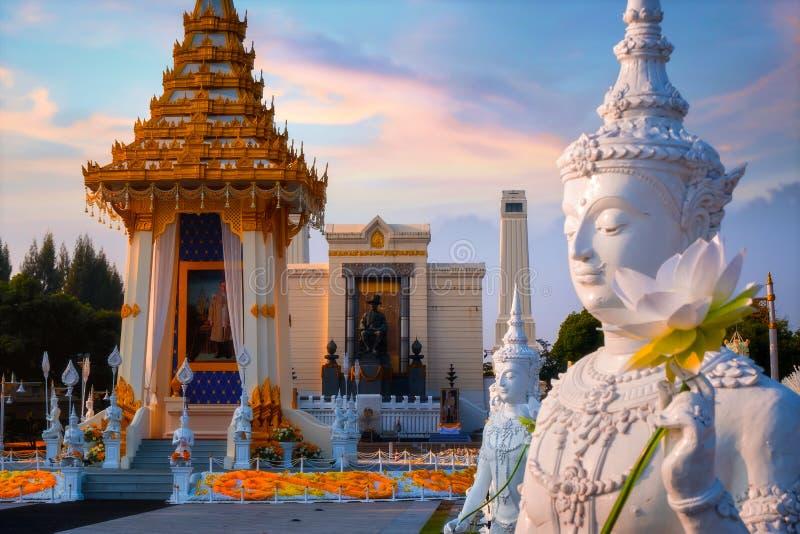 A réplica do crematório real de seu rei atrasado Bhumibol Adulyadej da majestade construído para o funeral real no rei Rama Eu Pa fotografia de stock