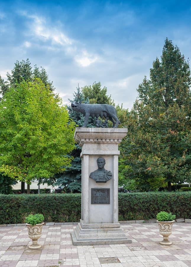 Réplica do lobo de Capitoline em Galati, Romênia fotografia de stock