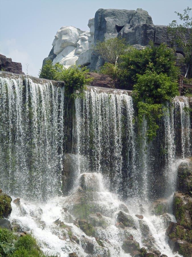 Réplica memorável da queda de Rushmore Niagara da montagem imagens de stock