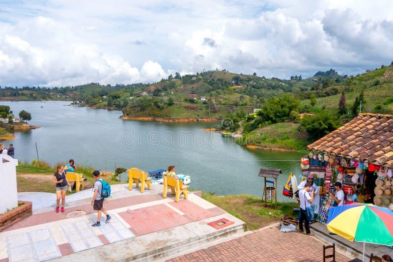 Réplica velha bonita da cidade, Guatape, Colômbia fotos de stock royalty free