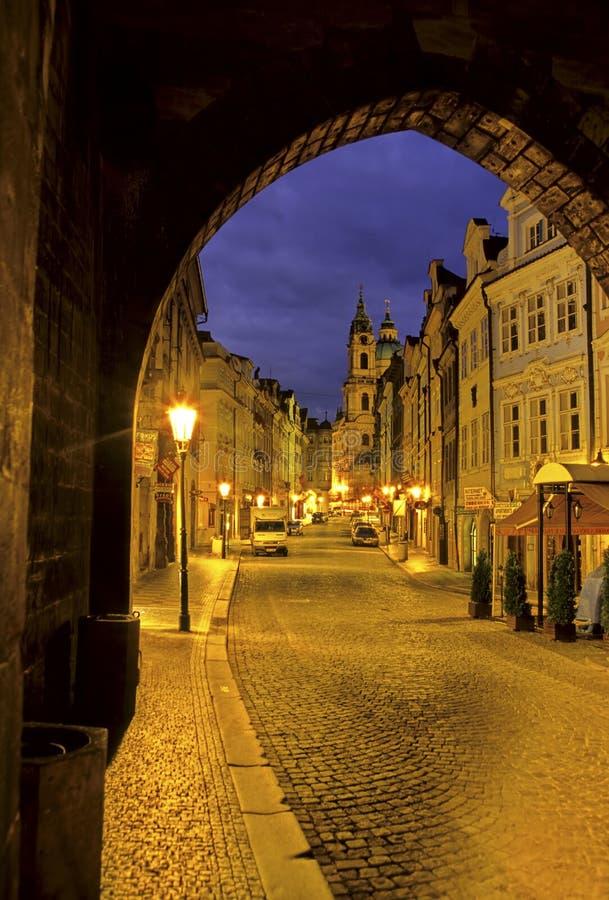 Download République Tchèque De Rue De Prague Photo stock - Image du église, baroque: 2125454