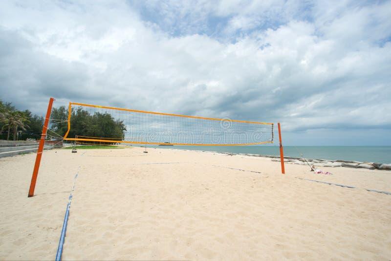 Réseau de volleyball de plage photos stock