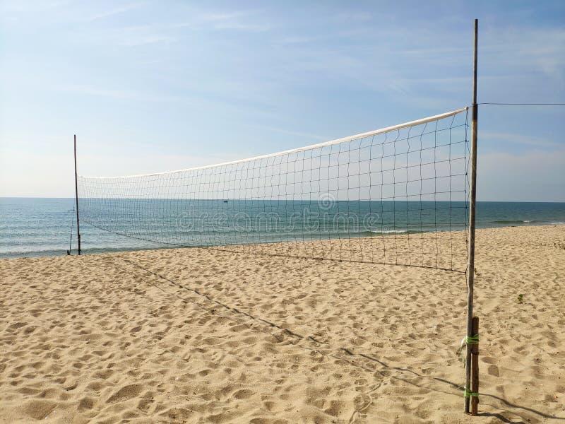 Réseau de volleyball sur la plage photo stock