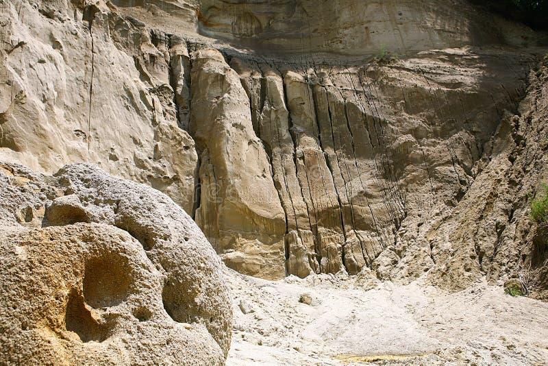 Download Réservation Naturelle De Musée De Trovanti Image stock - Image du héritage, géologique: 76084997