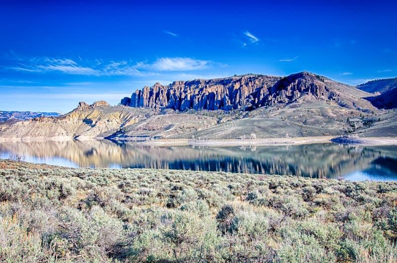 Réservoir bleu de MESA dans la réserve forestière le Colorado de gunnison photo stock