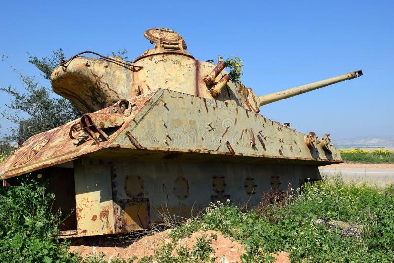 Réservoir détruit vieux par Jordanien en Israël photo stock