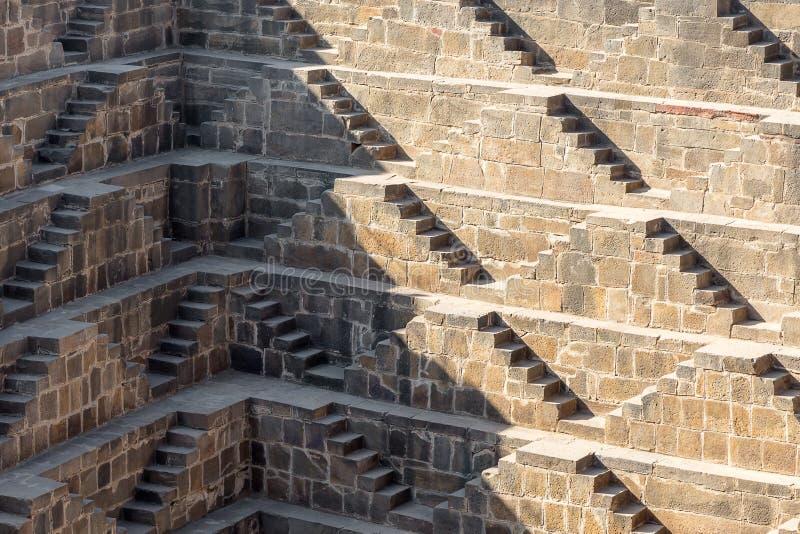Réservoir d'eau fait un pas colossal, Abhaneri, Ràjasthàn, Inde image stock