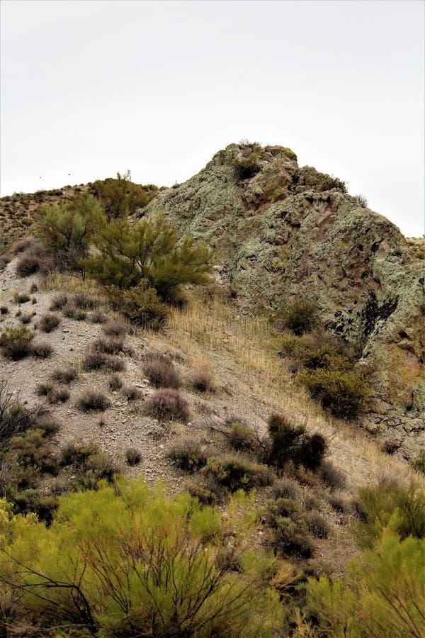 Réservoir de Bartlett Lake, le comté de Maricopa, état vue scénique de paysage d'Arizona, Etats-Unis images libres de droits