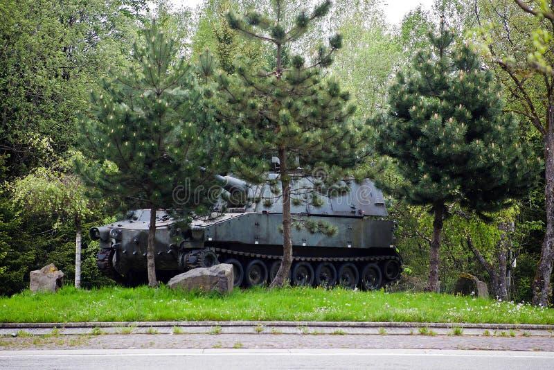 Réservoir de la deuxième guerre mondiale près de Bastogne, Belgique photographie stock libre de droits