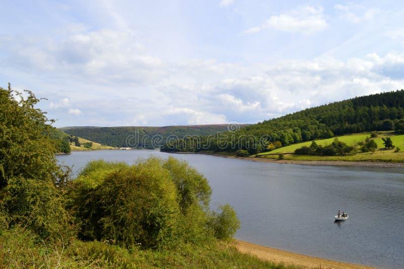 Réservoir de Ladybower dans Derbyshire photographie stock