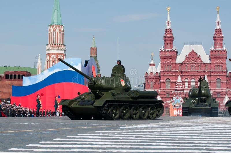 Réservoir moyen soviétique légendaire T-34 photographie stock