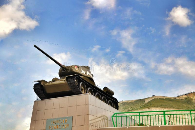 Réservoir T34 avec l'inscription pour son pays Novorossiysk Russie photo libre de droits