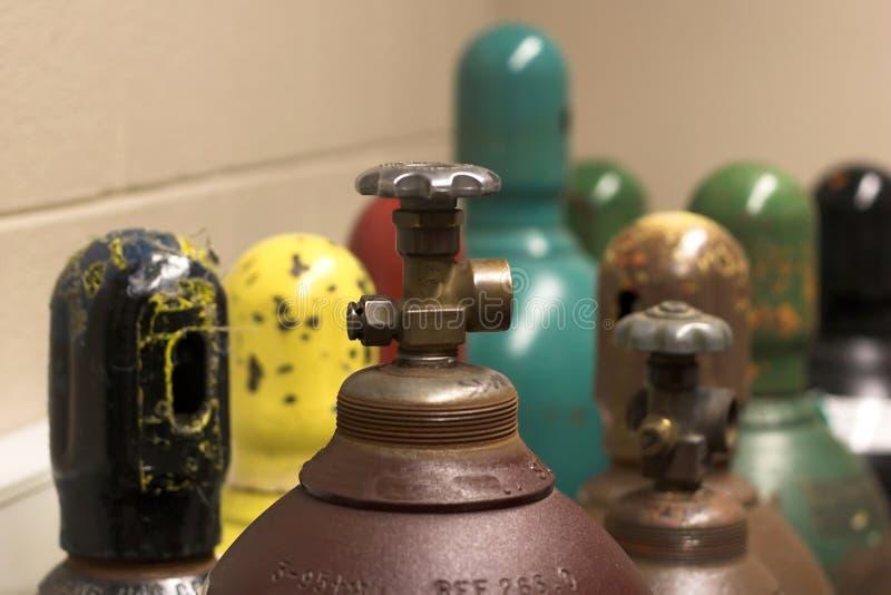Réservoirs à gaz images stock