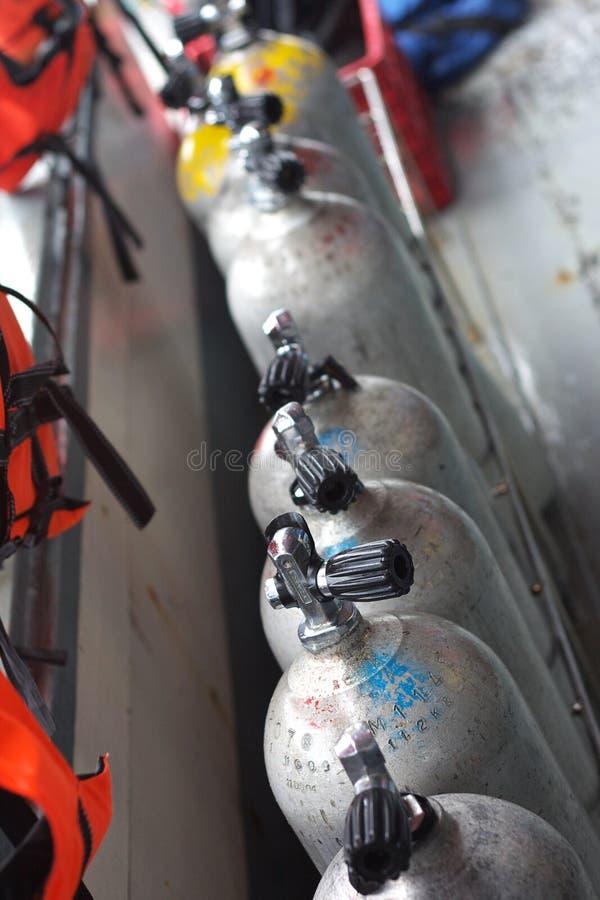 Réservoirs d'air de plongée à l'air photo libre de droits