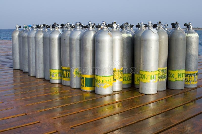 Réservoirs d'oxygène pour la plongée à l'air photos libres de droits