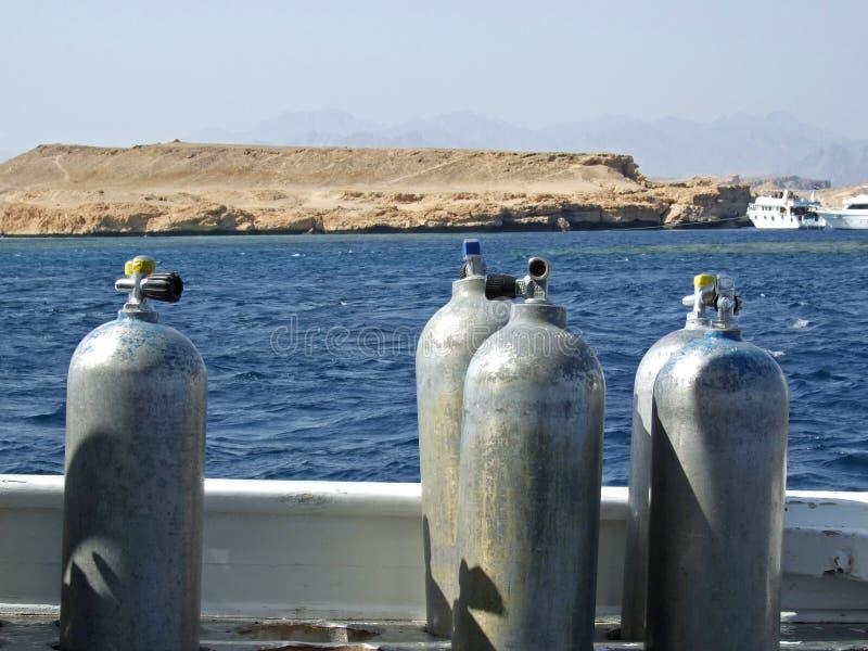 réservoirs de bateau de scaphandre de plongée d'air images libres de droits