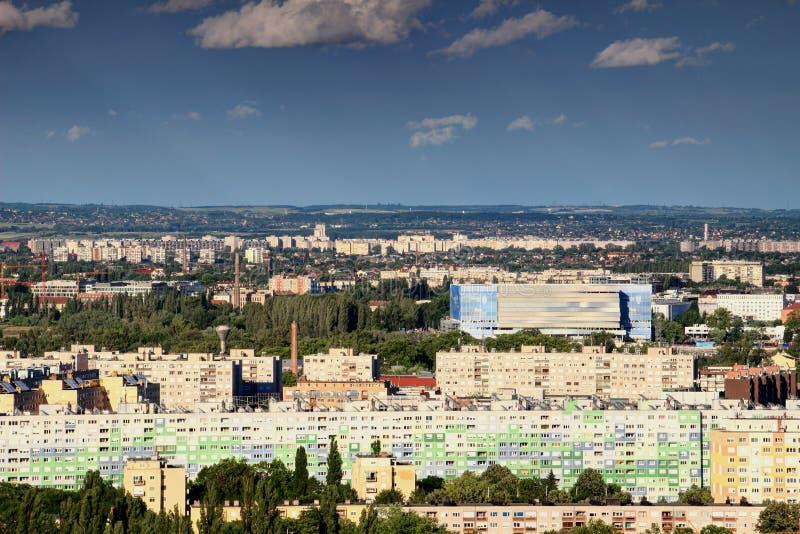 Résidences colorées dans Obuda, Budapest, avec l'arène de Danube image libre de droits