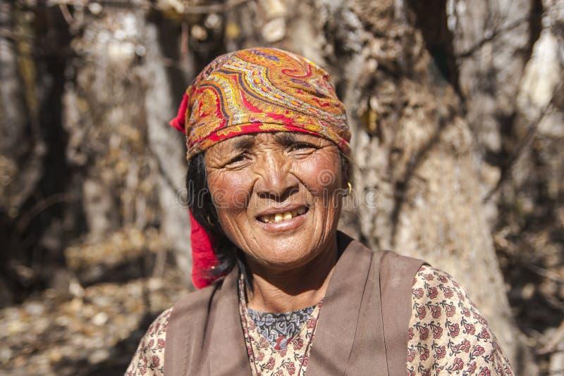 Résident de village de Jhong autour de Muktinath photos stock