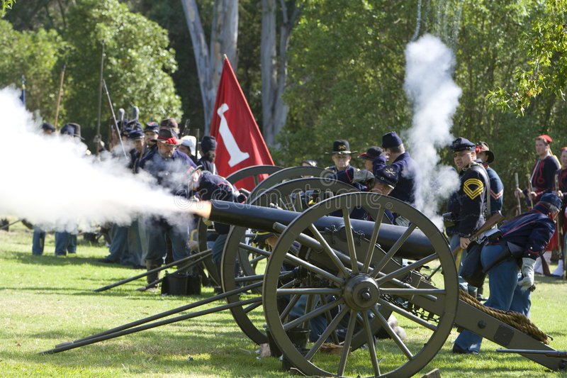 Rétablissement 12 de guerre civile - Canon allument photos stock