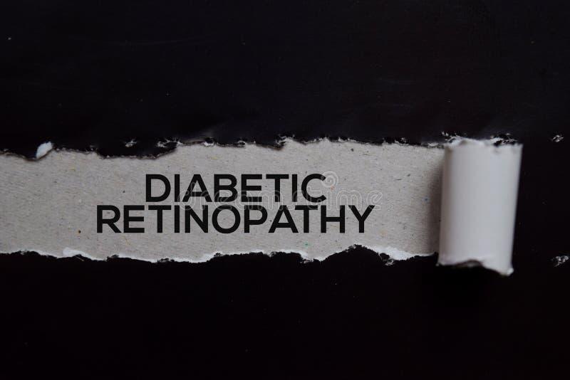 Rétinopathie diabétique Texte écrit dans un papier déchiré Concept médical photo libre de droits