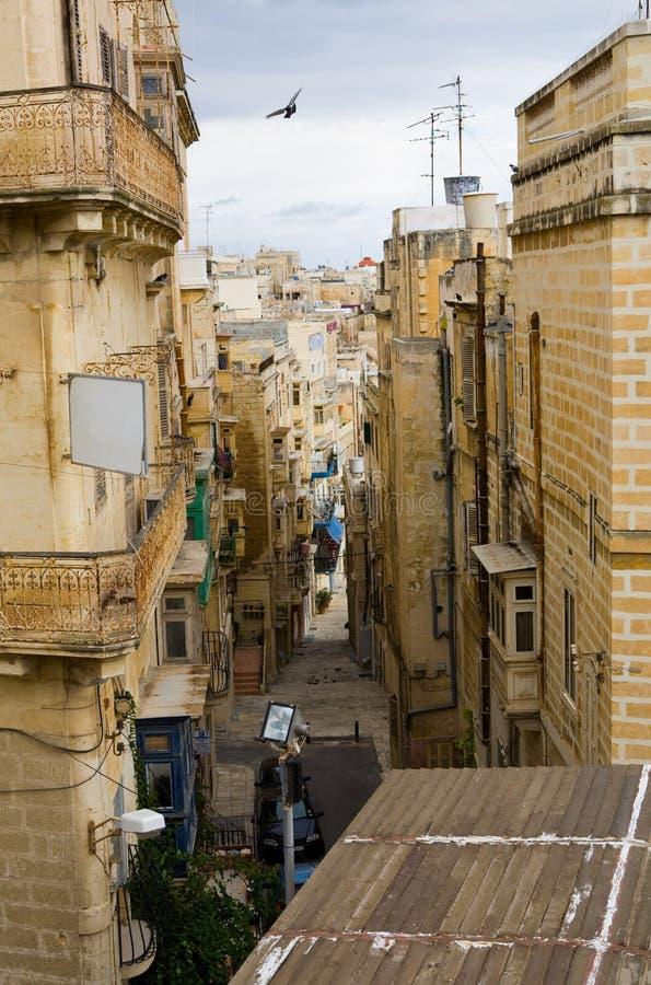 rétrécissez la rue valletta photographie stock