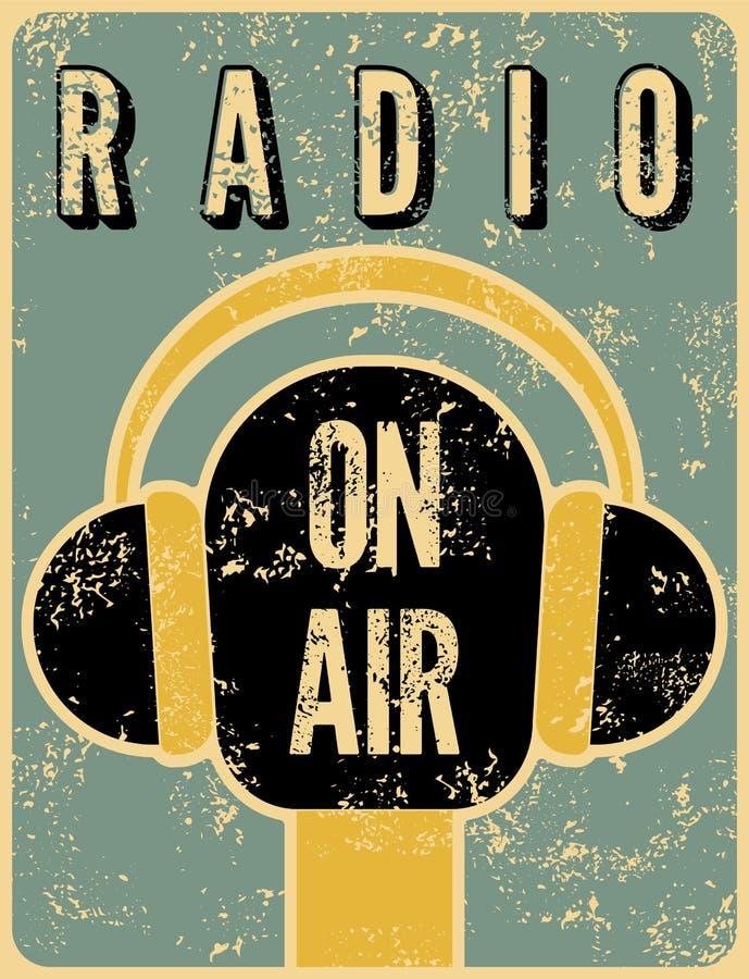 Rétro affiche grunge typographique de station de radio Microphone sur l'air Illustration de vecteur illustration stock
