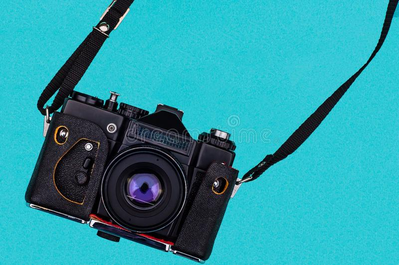 Rétro appareil-photo de film avec l'espace vide concept de course photographie stock