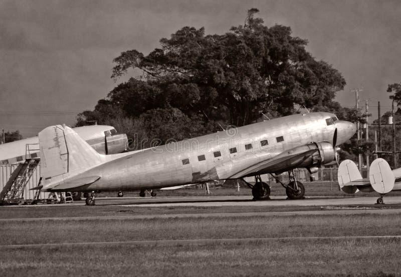 Rétro avion DC-3 photographie stock