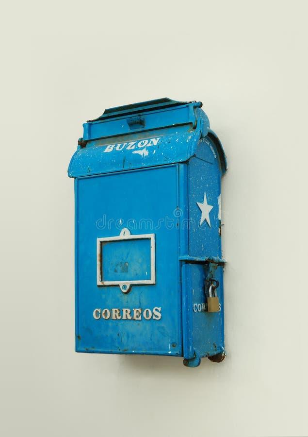Rétro boîte aux lettres à la Havane photos libres de droits