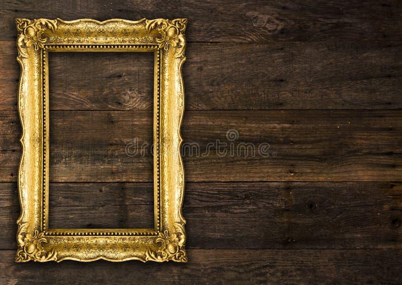 Rétro cadre de tableau rustique de vieil or de renaissance images stock
