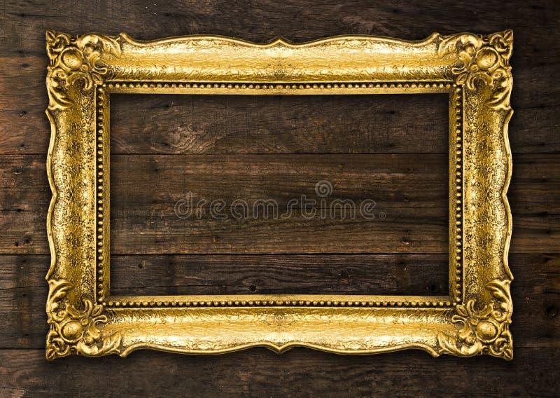Rétro cadre de tableau rustique de vieil or de renaissance photos stock