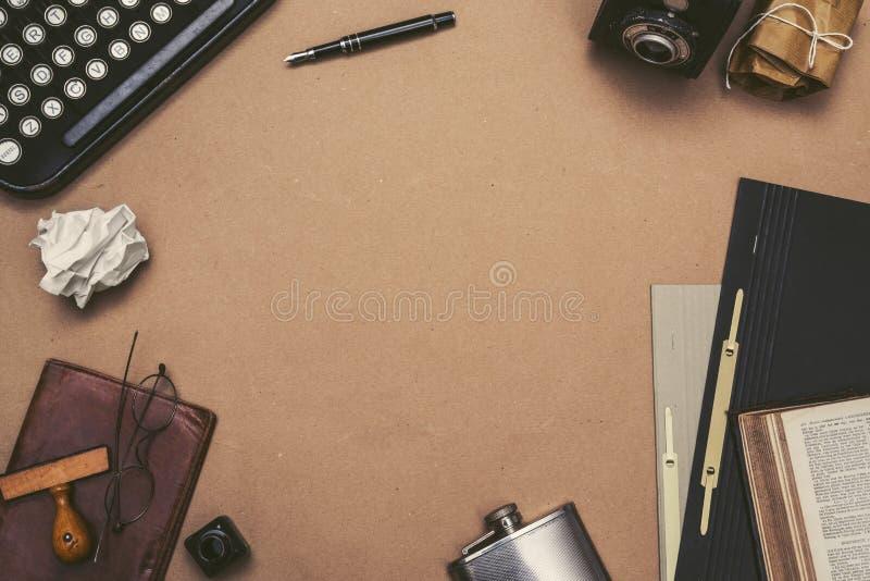 Rétro en-tête de héros de bureau de machine à écrire photos libres de droits