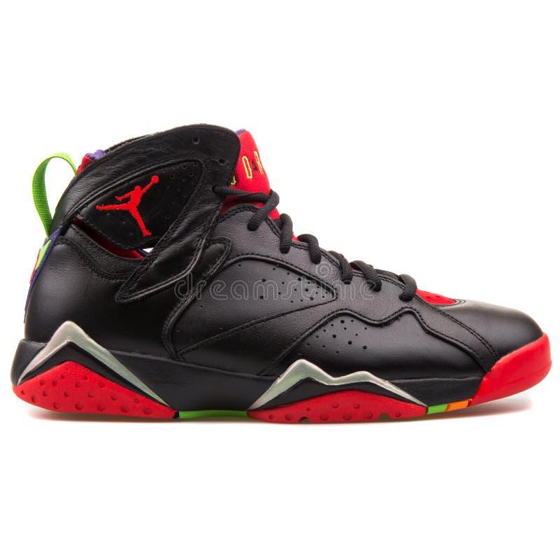 Pile Des Espadrilles De Basket ball De Nike Air Jordan D