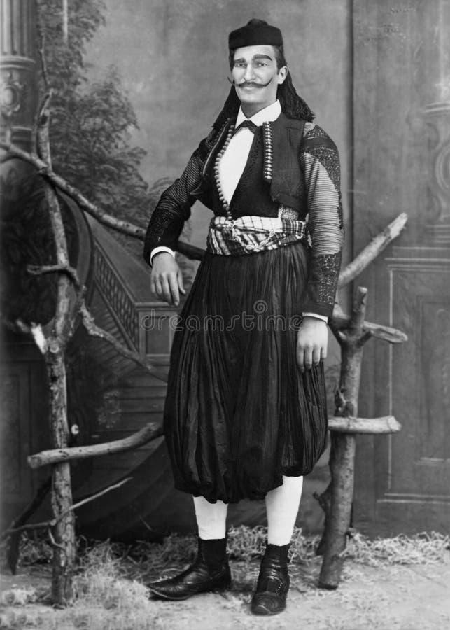 R?tro homme roumain de cru, costume, habillement traditionnel photo libre de droits
