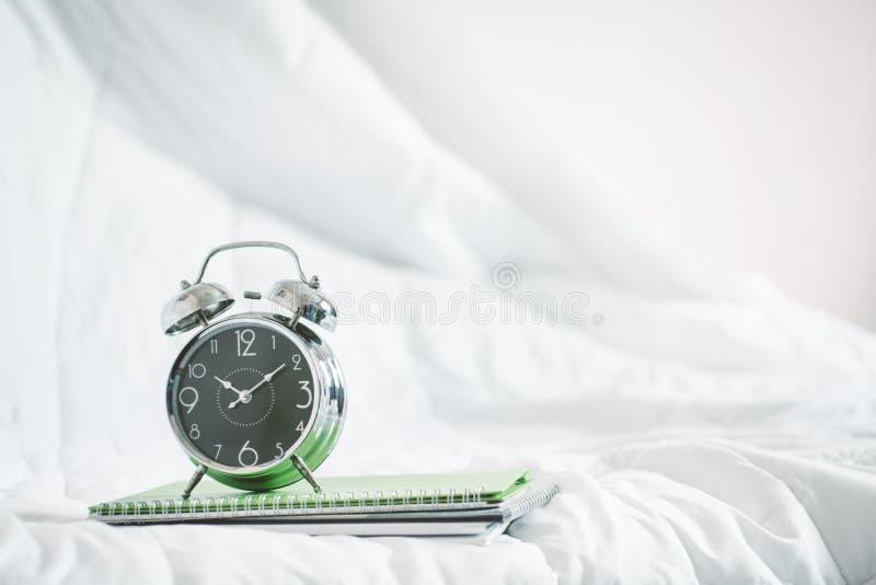 Rétro horloge images stock