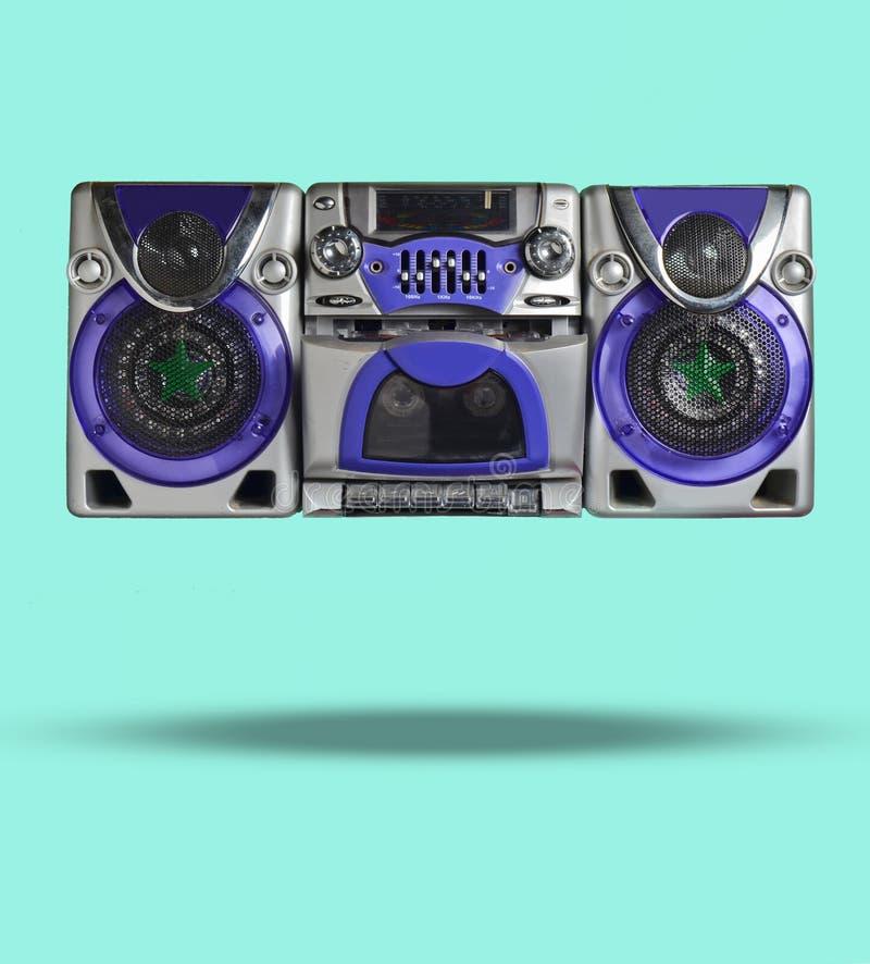 Rétro magnétophone sur le fond rose Technologie 80s photo 3D illustration libre de droits