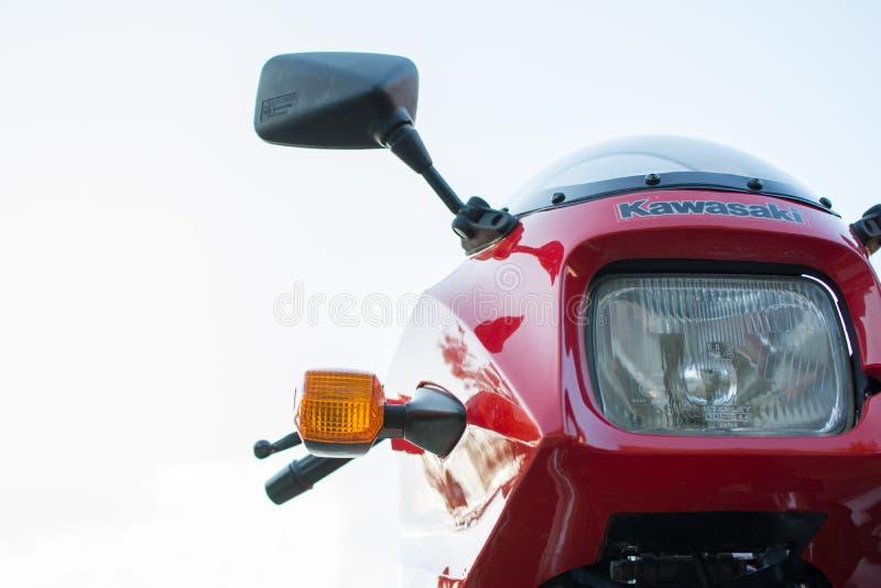 Rétro moto de Kawasaki GPZ photographiée dehors Vélo légendaire de film Top Gun images libres de droits