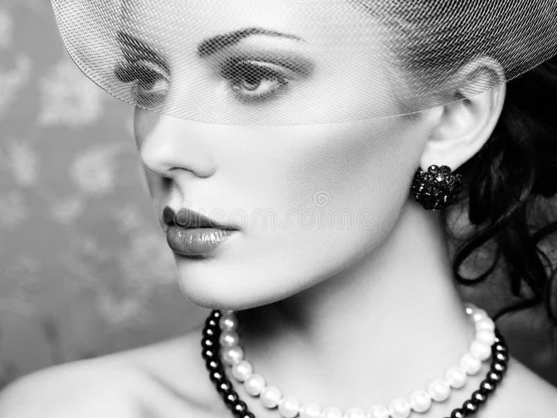 Rétro portrait de belle femme. Style de vintage photo libre de droits