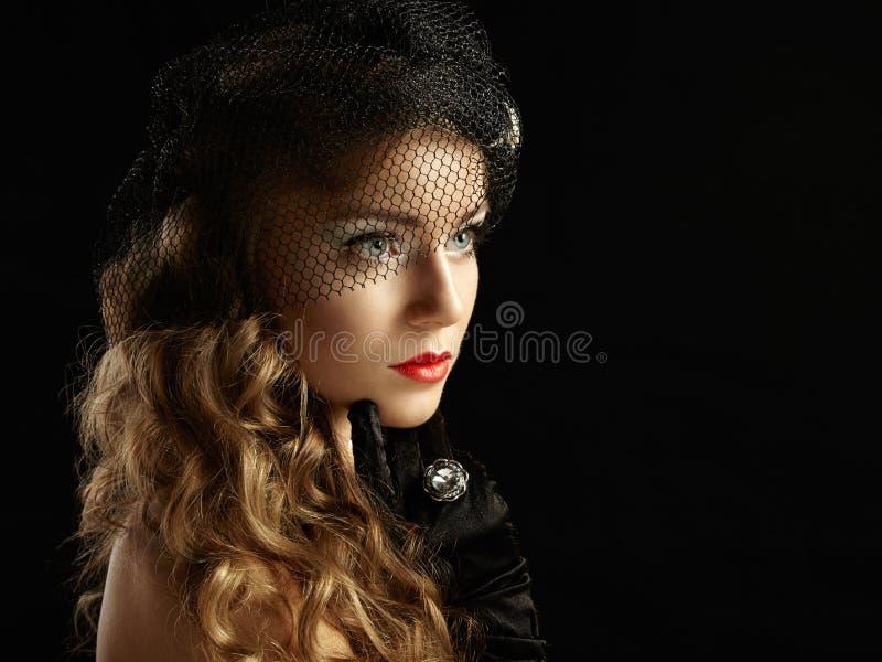 Rétro portrait de belle femme. Style de vintage photos stock