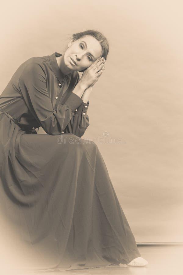 Rétro portrait de style de femme triste photo libre de droits
