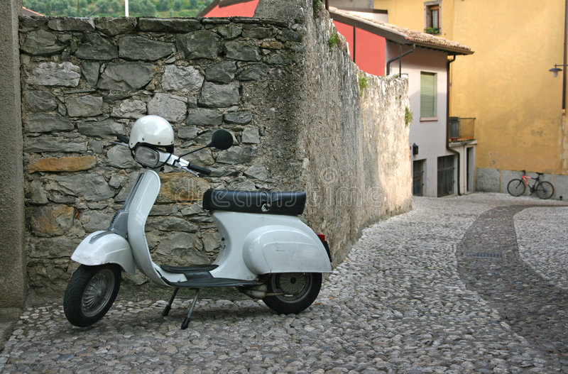 Rétro Vespa de scooter photos stock