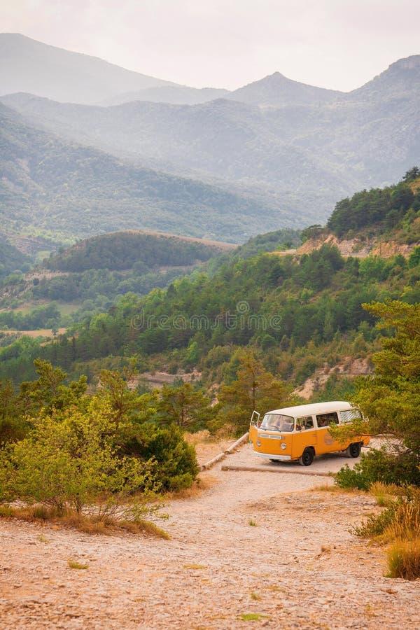 Rétro voyage d'autobus au sud des Frances photographie stock libre de droits